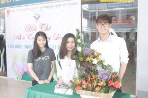 Sinh viên vinatex tham gia cắm hoa chào mừng ngày 20-11
