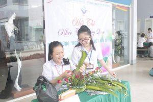 Sinh viên vinatex thi cắm hoa ngày 20-11