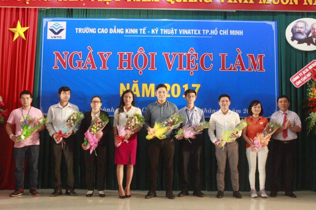 Ngày hội việc làm năm 2017 của trường Cao đăng kinh tế - kỹ thuật Vinatex TP Hồ Chí Minh