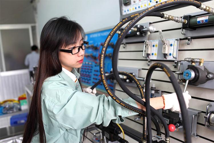 Sinh viên kỹ thuật cơ điện tử ra trường có nhiều cơ hội nghề nghiệp