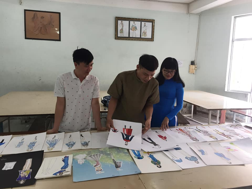 Các mẫu thiết kế thời trang dự thi