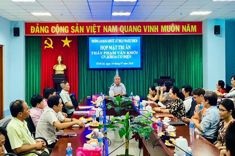 Buổi họp mặt tri ân giảng viên Phạm Văn Khôi